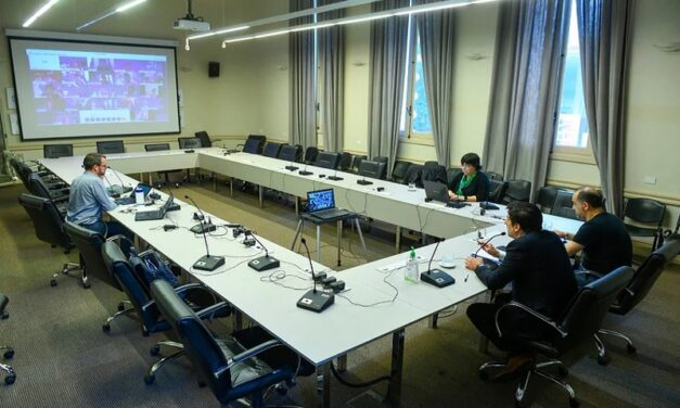 Coronavirus: evalúan el regreso escalonado a clases y mañana habrá una reunión clave por las cuotas de los colegios privados